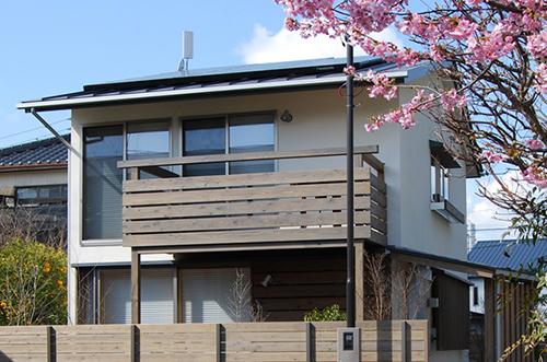 外観と桜-(3)sm.jpg